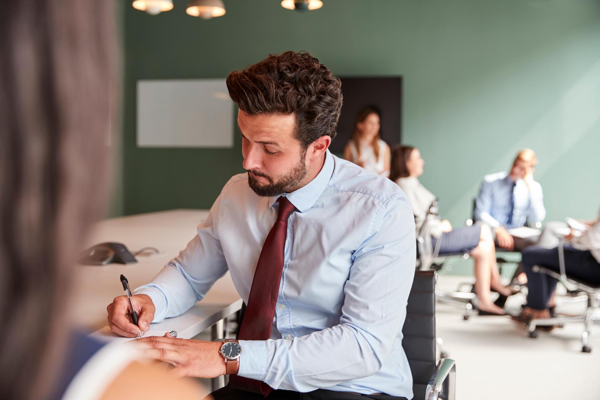 Nuestro modelo de gestión mejora la atención y relación con el cliente. Esta estructura nos permite distribuir las tareas de manera óptima y generar una comunicación activa.